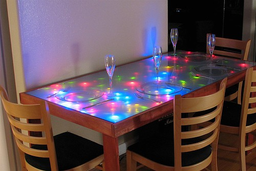 LED Dining Table Adds Excitement To Your Party