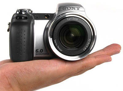 Review: Sony Cybershot DSC-H2 Megazoom Camera