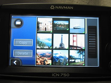 Navman iCN 750 GPS Navigation System Takes Photos