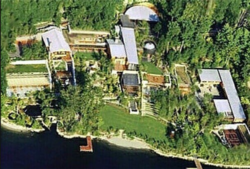 01) Bill Gates House -. 02) Warren Buffet House -