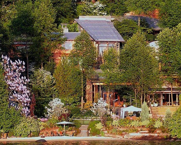 CyberNotes: Facts and Photos of Bill Gates' House